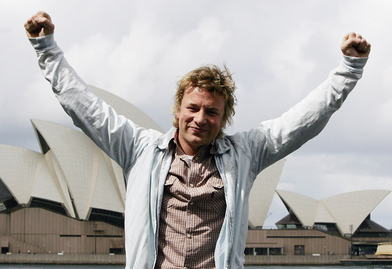 SYDNEY, AUSTRALIA - SEPTEMBER 11:  Celebrity chef Jamie Oliver attends a media conference to mark his arrival in Australia, at the Park Hyatt Hotel on September 11, 2006 in Sydney, Australia. Jamie returns to Australia for the first time in five years for a 10 day visit which will see him perform his new live shows in Sydney and Melbourne, launch Network Ten?s program 'Jamie?s Kitchen Australia' and open the fourth Fifteen Restaurant with best mate Tobie Puttock in Melbourne.  (Photo by Patrick Riviere/Getty Images)