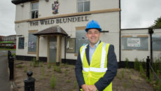 The Weld Blundell and the new licensee Mike Reeve (5)