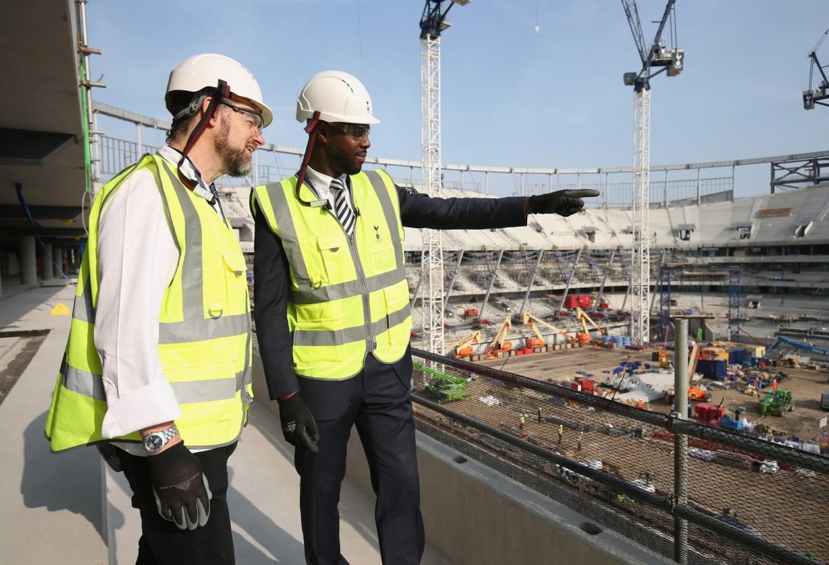 LONDON, ENGLAND - OCTOBER 16: Former Tottenham player Ledley King and chef Chris Galvin during the visit to the new Tottenham Hotspur stadium and VR suite on October 16, 2017 in London, England. (Photo by Tottenham Hotspur FC/Tottenham Hotspur FC via Getty Images) *** Local Caption *** Ledley King;Chris Galvin