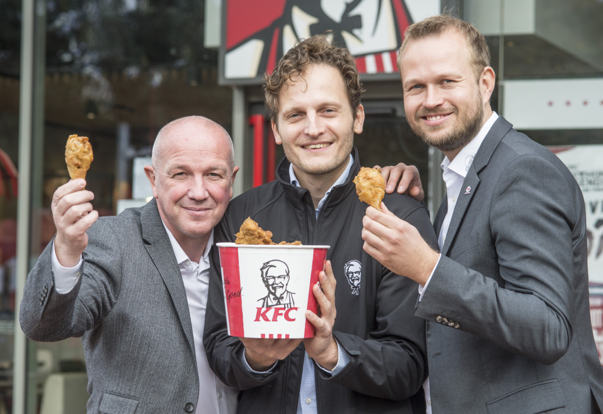 Mel Brockhouse, vice-president grocery & convenience, DHL Supply Chain UK & Ireland; Jens Hentschel, director supply chain KFC UK & Ireland; and Oliver Jäger, country manager of QSL