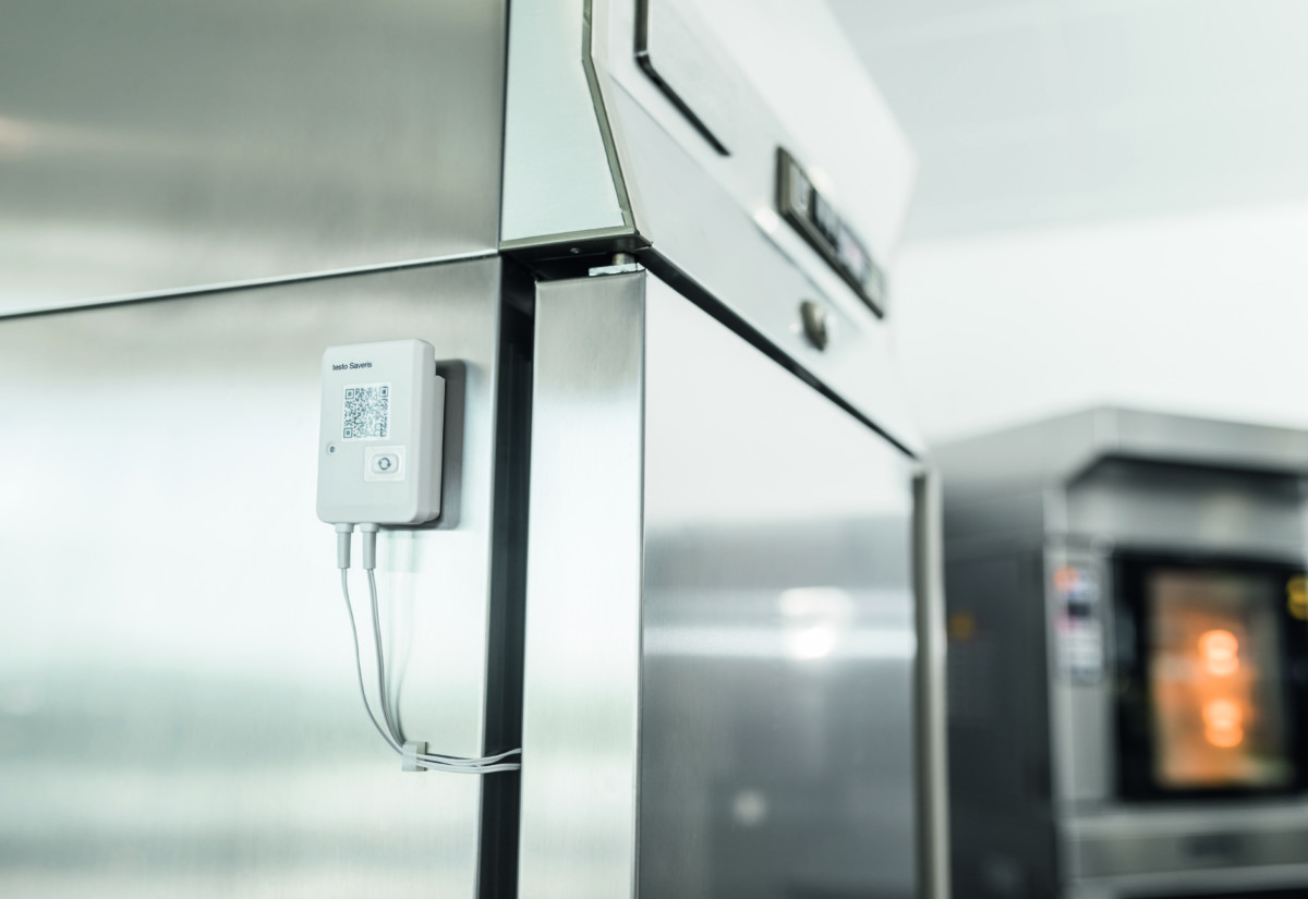 testo-Saveris-Restaurant-Logger-Fridge-001