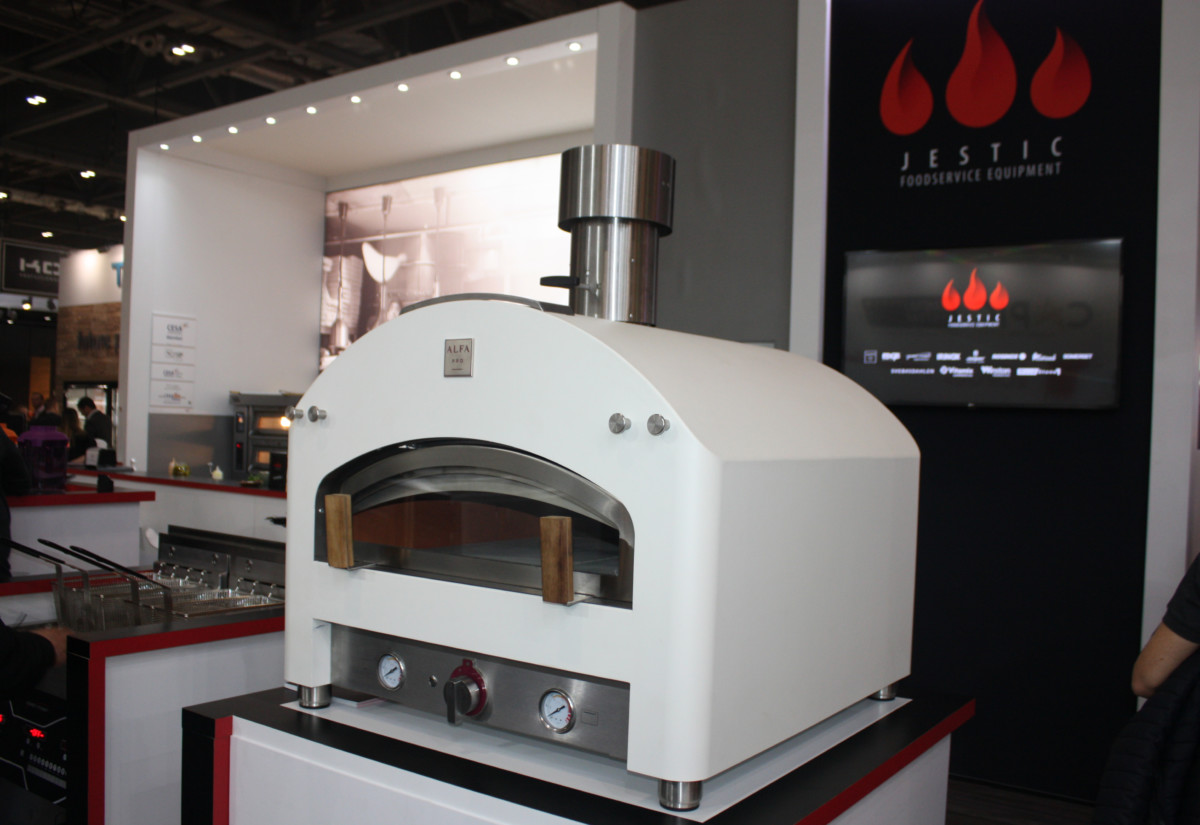 Alpha Pro pizza oven